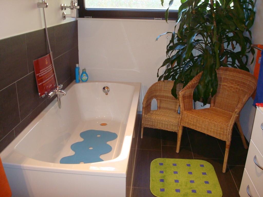 sturzgefahr durch anti rutschma nahmen verringern grosse. Black Bedroom Furniture Sets. Home Design Ideas